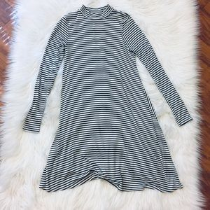 Dresses & Skirts - Long sleeve striped high neck dress